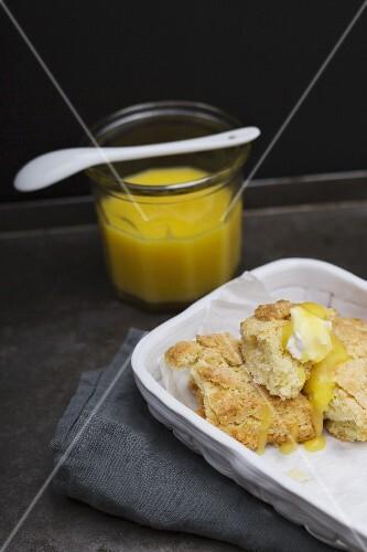 Lemon curd with scones and crème fraîche