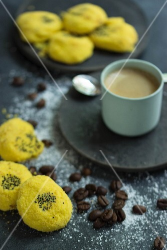 Persian corn cakes with poppy seeds with an espresso