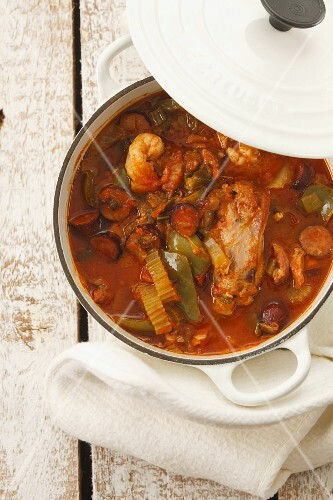 Gumbo (stew with chicken, prawns and vegetables, USA)