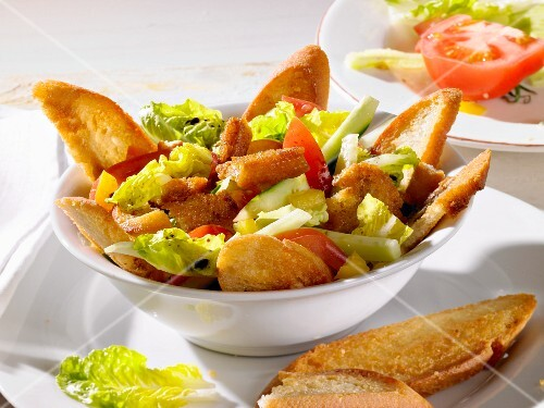 Bread salad with balsamic vinegar