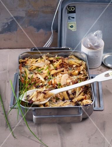 Penne with radicchio and pears