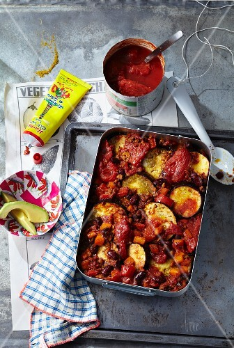 Chilli sin carne with aubergines and harissa