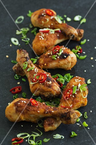 Chicken drumsticks with chilli and spring onions