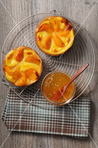Apricot tartlets
