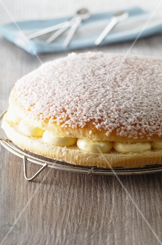 Tropézienne (traditional cake from St Tropez, France)