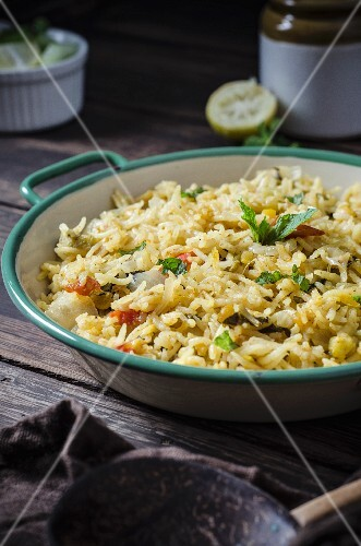 Pilau with bitter melon and lentils (Asia)