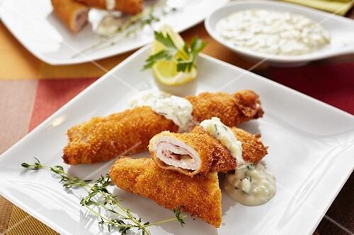 Cordon bleu rolls with a dip