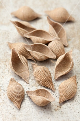 Wholemeal pasta shells