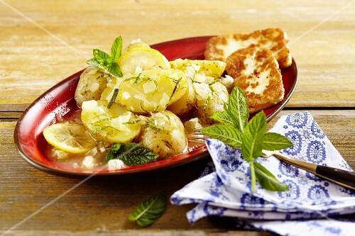 Lemon potatoes with fried halloumi