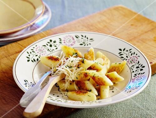 Polish potato dumplings with cheese