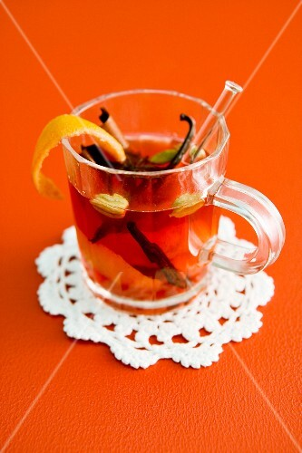 Tea punch with spices