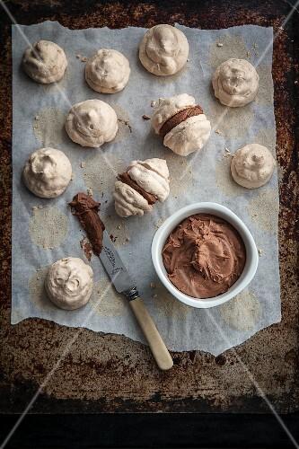 Chocolate and hazelnut meringue kisses