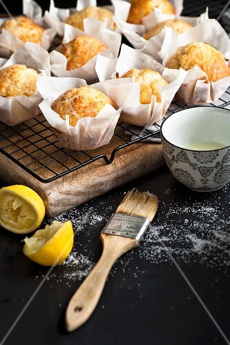 Lemon muffins with lemon sugar