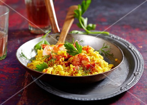 Saffron pilau with prawns