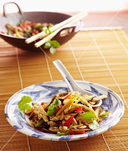 Gai Pad Khing (chicken with ginger, Thailand)