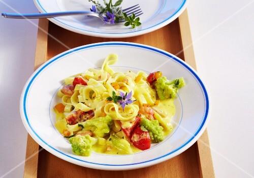 Tagliatelle with Romanesco broccoli, shrimps and a pepper sauce