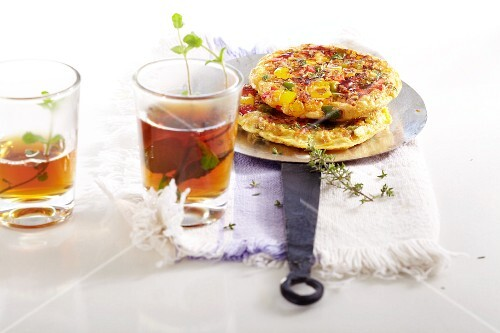 Turkish omelette with peppers, tomatoes and onions