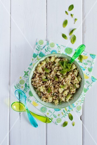 Tabbouleh with quinoa, cucumber and mint (seen from above)