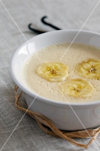 Vanilla cream with bananas