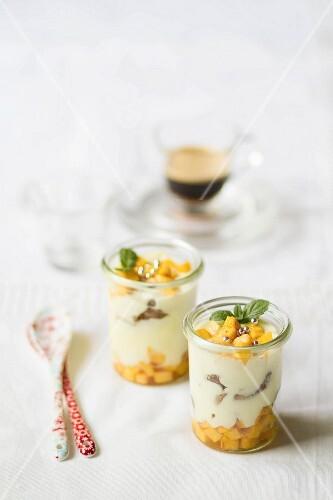 Peach salad with mascarpone cream