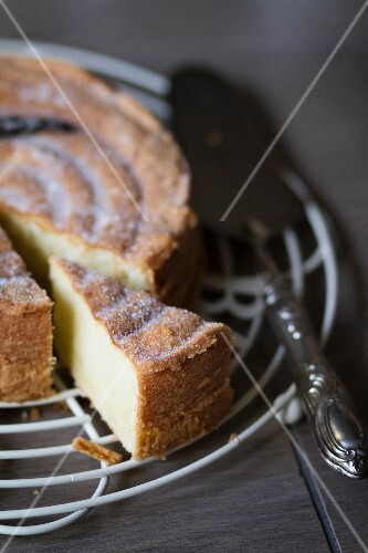 Dolce all'olio d'oliva (olive oil cake, Italy)