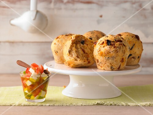Spicy pizza muffins with vegetable salad