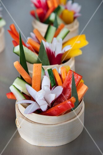 Vegetable sticks with radish flowers (Asia)