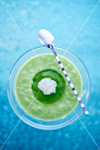 Cream of broccoli soup with tapioca pearls (seen from above)