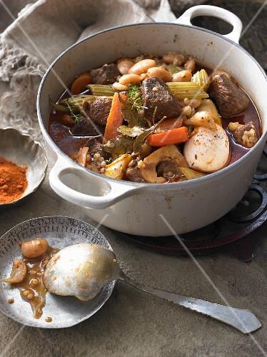 Tscholent (meat stew, Jewish cuisine)