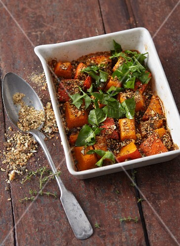 Oven-roasted hokkaido pumpkin with thyme and gingerbread