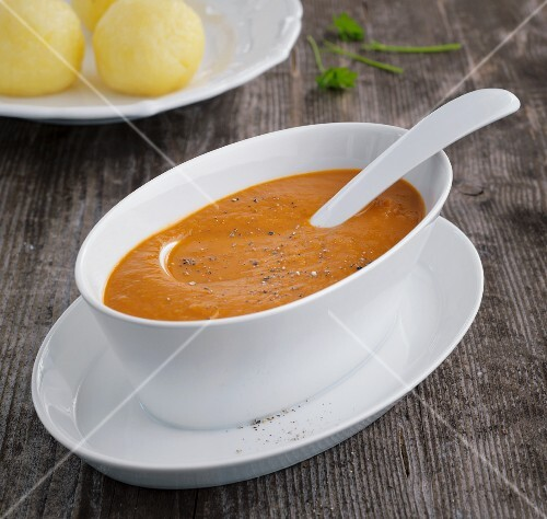 Vegetarian gravy made from vegetables and soy sauce