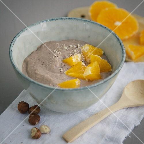 Wholemeal semolina with carob, hazelnuts and oranges