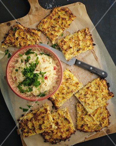 Jerusalem artichoke and potato cakes with creamy cabbage (seen from above)