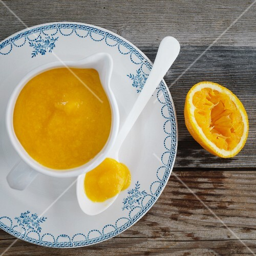 Vegan orange sauce with dried apricots