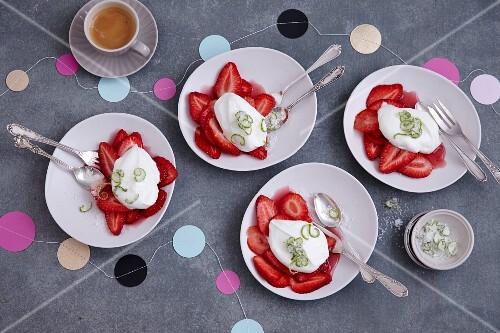 Yoghurt lime foam with fresh strawberries