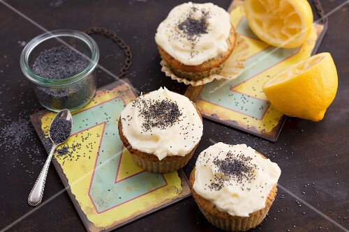 Lemon yoghurt cupcakes with poppyseeds