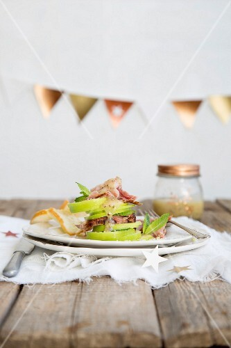 Apple and ham salad with peppermint