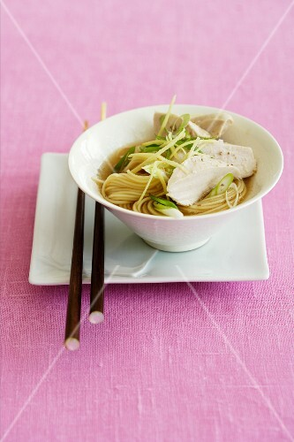 Ginger broth with soba noodles and chicken (Japan)