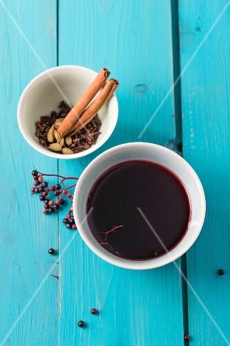 Hot elderberry juice with spices