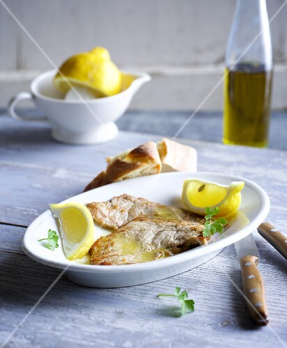 Scaloppine al limone (veal escalope in a lemon sauce, Italy)