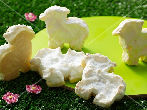 Sweet lamb biscuits for Easter