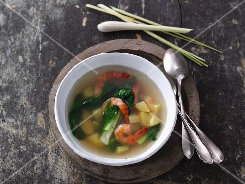 Potato soup with bok choy and prawns (Vietnam)