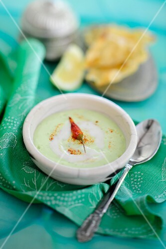 Avocado soup with chilli