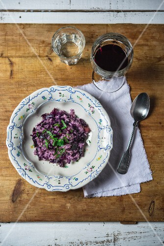 Red cabbage risotto with basil