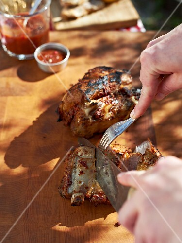 Grilled ribs with a pepper marinade