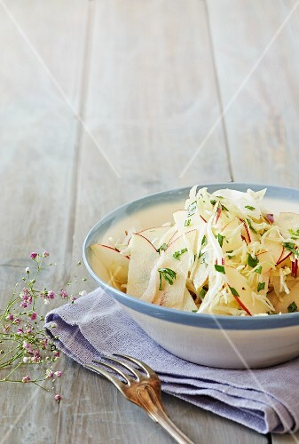 Apple and fennel salad with tarragon