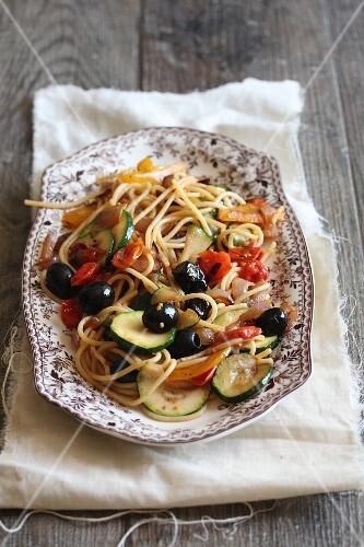 Spaghetti primavera with vegetables