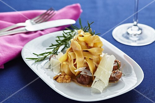 Tagliatelle with chestnuts and walnuts