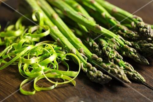 Green asparagus with peelings