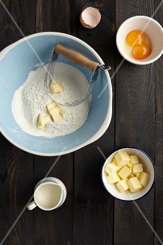 Ingredients for making shortcrust pastry